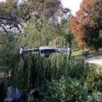 re-dron kvadrokoptéra DJI Mavic Pro v přírodě