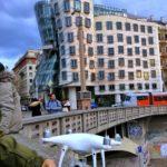 dron Phantom 4 Pro v Praze
