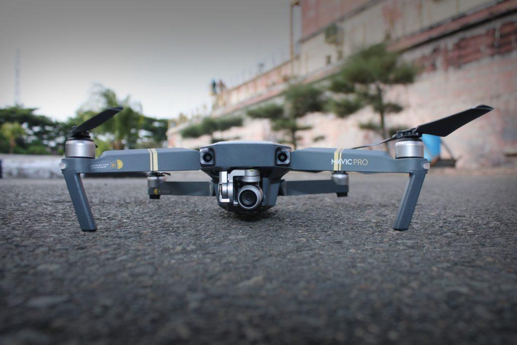 rozložený dron DJI Mavic Pro
