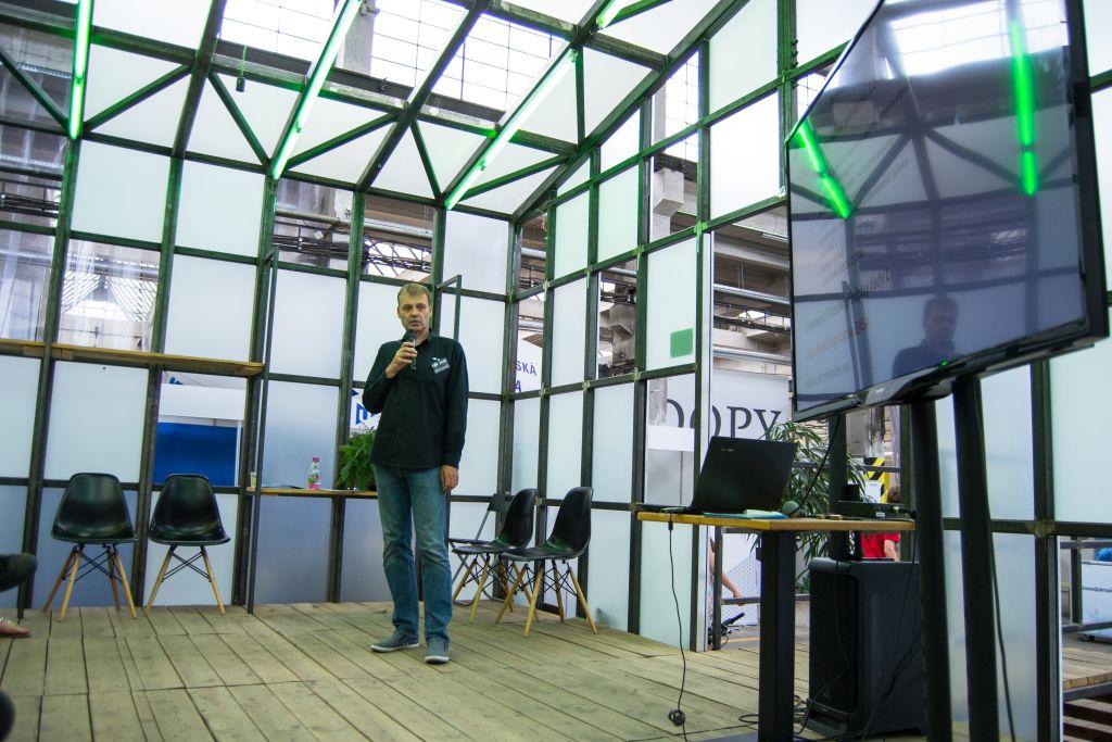 přednáška od pana Řešátka na Dronfest 2018